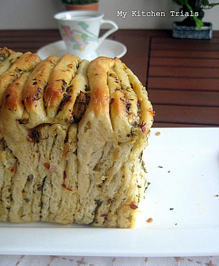 Pesto Cheese Pull apart bread