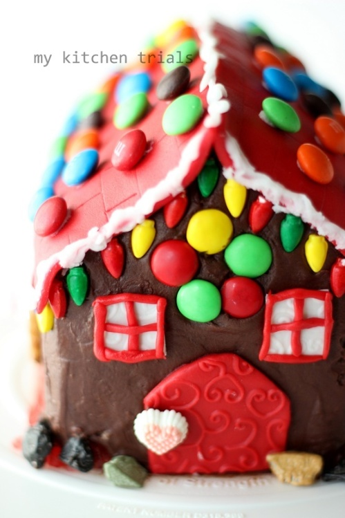 2Gingerbread house cake