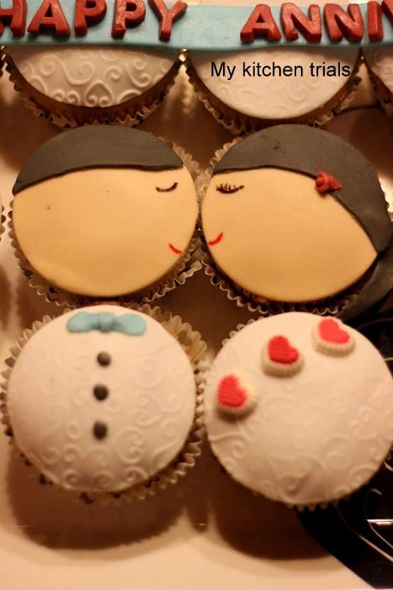 3couple_cupcakes